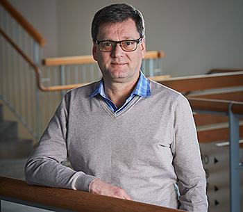 Professor Andrekson.